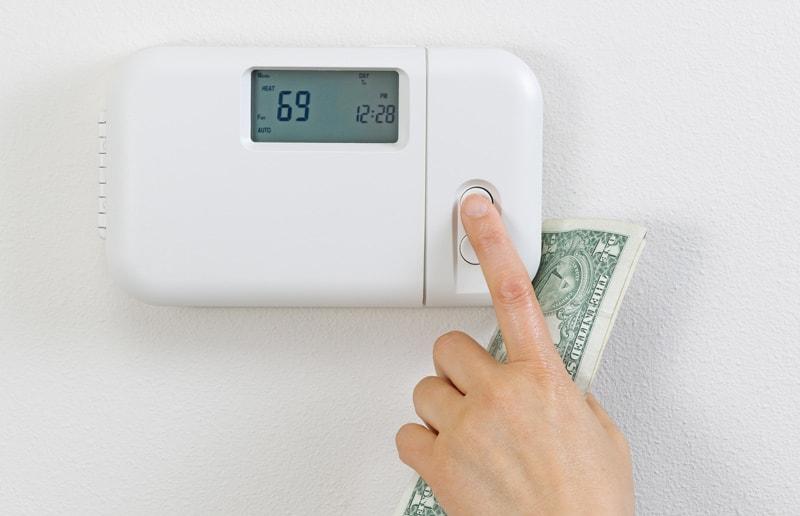 Adjusting-Thermostat